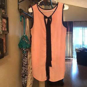 Size Medium Shirt Peach 🍑 Sleeveless